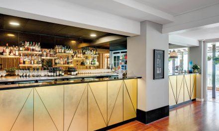 hotel-kurrajong-canberra-chifleys-bar-02