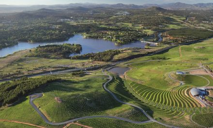 Outdoor explorer's guide to Canberra