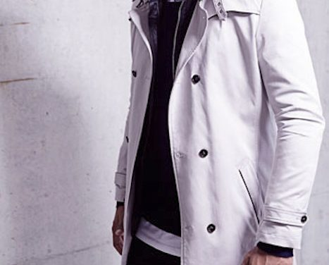 LAYERED OFF-DUTY STYLE